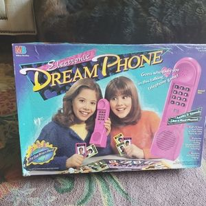 Dream phone 90's game
